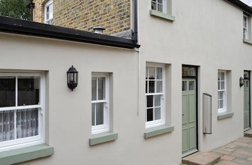 Snaptrip - Last minute cottages - Splendid Broadstairs Cottage S71460 -