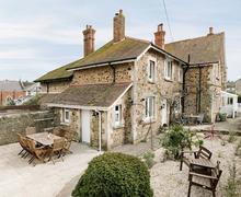 Snaptrip - Last minute cottages - Tasteful Seaton Cottage S41917 -