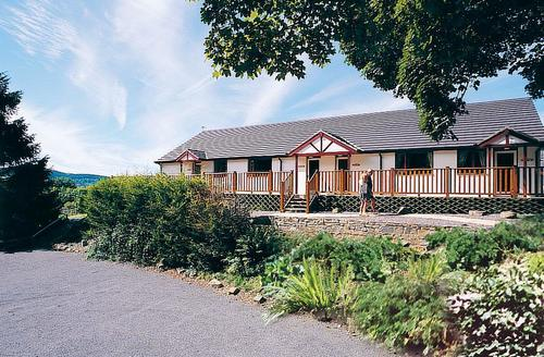 Snaptrip - Last minute cottages - Captivating St Clears Lodge S71569 - Avalon Cottages
