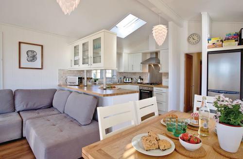 Snaptrip - Last minute cottages - Excellent Salcombe Lodge S71584 - Cornstalk Lodge