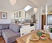 Snaptrip - Last minute cottages - Excellent Salcombe Lodge S71584 - Cornstalk Lodge