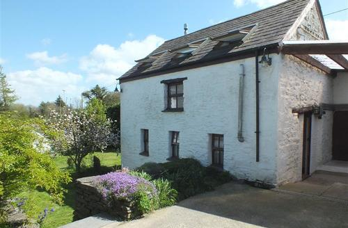 Snaptrip - Last minute cottages - Cosy Crosswell Cottage S71692 - 2157-0-Y Cartws Crosswell