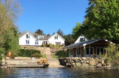 Snaptrip - Last minute cottages - Tasteful Rockcliffe Apartment S71886 -