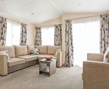 Snaptrip - Last minute cottages - Stunning Newquay Lodge S71909 - Typical Whipsiderry Platinum 3