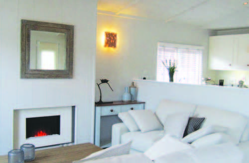Snaptrip - Last minute cottages - Excellent North Walsham Lodge S71953 -