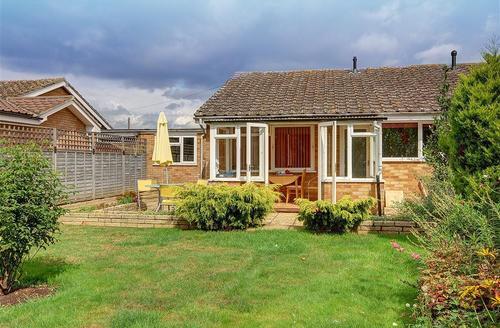Snaptrip - Last minute cottages - Luxury Woodbridge Rental S10097 - Exterior