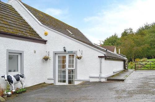 Snaptrip - Last minute cottages - Splendid Eyemouth Apartment S72332 -