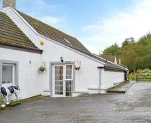 Snaptrip - Last minute cottages - Splendid Eyemouth Apartment S72332 -