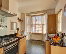 Snaptrip - Last minute cottages - Lovely Aldeburgh Rental S10109 - Kitchen