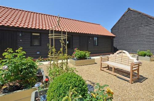 Snaptrip - Last minute cottages - Delightful Saxmundham Rental S10108 - Exterior - View 4