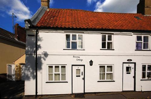 Snaptrip - Last minute cottages - Splendid Southwold Rental S10123 - Exterior - View 1