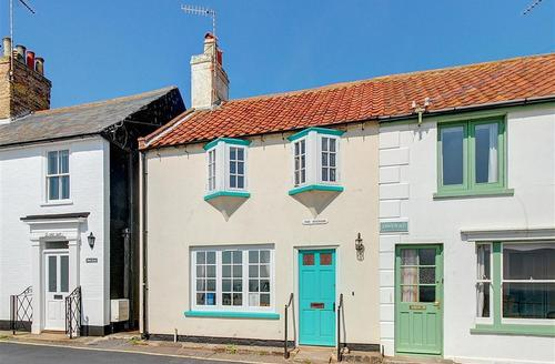 Snaptrip - Last minute cottages - Wonderful Southwold Rental S10128 - Exterior - View 1