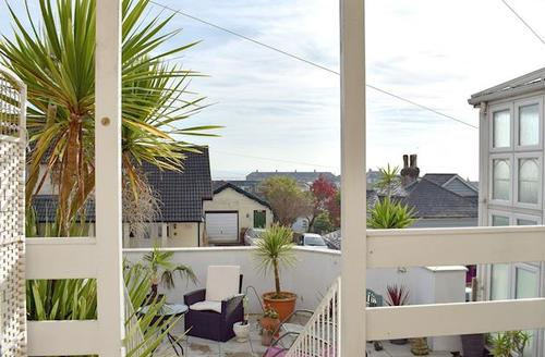 Snaptrip - Last minute cottages - Captivating Ventnor Cottage S72691 -