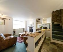Snaptrip - Last minute cottages - Inviting Stow On The Wold Cottage S72726 -