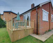 Snaptrip - Last minute cottages - Cosy Reydon Rental S10135 - Exterior - View 1