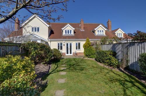 Snaptrip - Last minute cottages - Superb Nr Southwold Rental S10139 - Garden - View 2