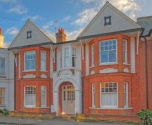 Snaptrip - Last minute cottages - Tasteful Aldeburgh Rental S10141 - Exterior - View 1