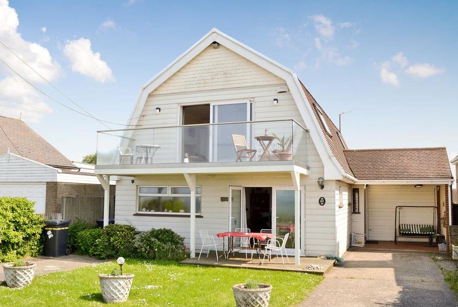 Bounty Dutch barn-style seaside holiday cottage | Bounty, Seasalter, near Whitstable