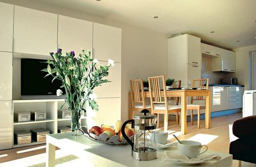 Snaptrip - Last minute cottages - Delightful Padstow Lodge S72953 - Typical Bay Retreat Villa slp 6