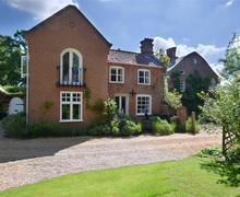 Snaptrip - Last minute cottages - Tasteful Saxmundham Rental S10157 - Exterior - View 3