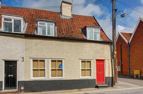 Snaptrip - Last minute cottages - Lovely Woodbridge Rental S10164 - Exterior