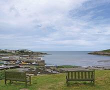 Snaptrip - Last minute cottages - Tasteful Llanfechell Lodge S73273 - Cemaes Bay