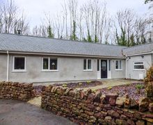 Snaptrip - Last minute cottages - Inviting Port Dinorwic Cottage S73373 -