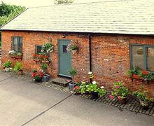 Snaptrip - Last minute cottages - Beautiful Bury St Edmunds Rental S10185 - Exterior - View 1