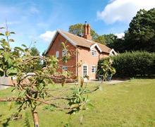 Snaptrip - Last minute cottages - Charming Dunwich Rental S10188 - Garden - View 1