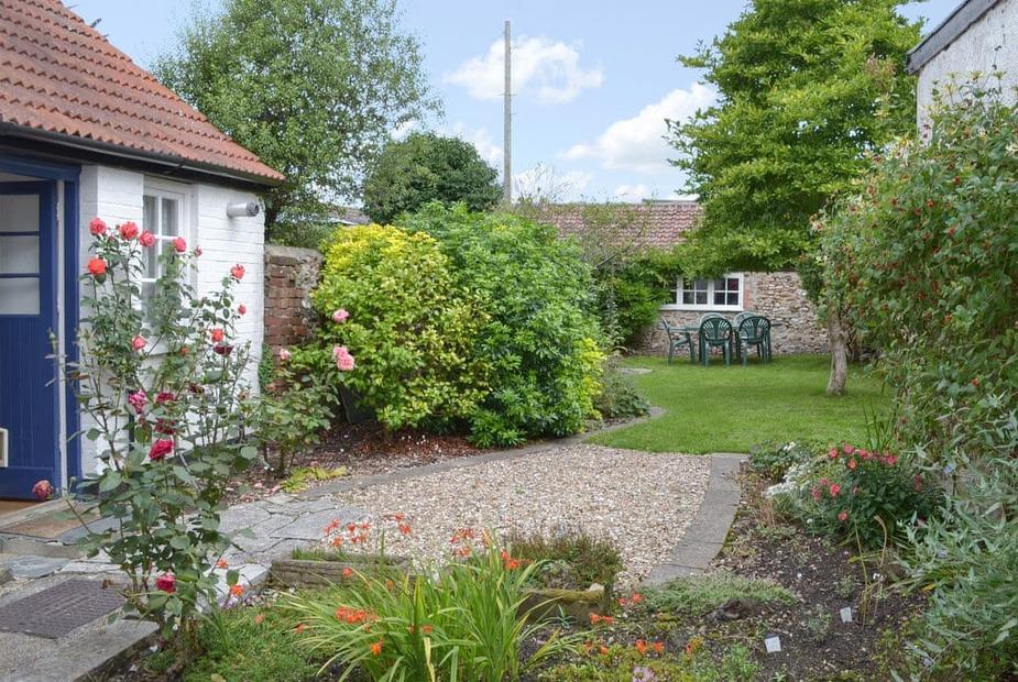Lilac Place Garden | Lilac Place, Colyton