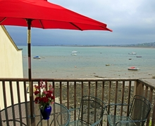 Snaptrip - Last minute cottages - Adorable Appledore Cottage S73558 - Fantastic views over the estuary out to sea