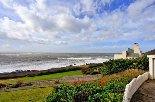 Snaptrip - Last minute cottages - Beautiful North Devon Apartment S73594 - Superb ocean views
