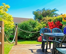 Snaptrip - Last minute cottages - Quaint Georgeham Cottage S73648 - Outdoor seating, and a great garden for BBQs!