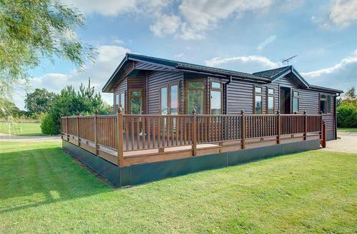 Snaptrip - Last minute cottages - Excellent Aldeburgh Rental S10220 - Exterior - View 3