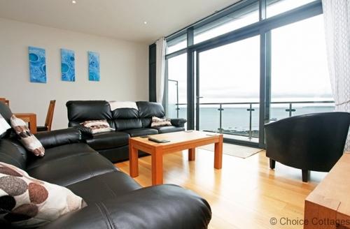 Snaptrip - Last minute cottages - Quaint Westward Ho! Apartment S73675 - Double volume lounge