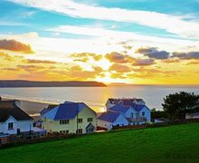 Snaptrip - Last minute cottages - Luxury Mortehoe Cottage S73681 - View from the hill where LITTLE QUEST sits