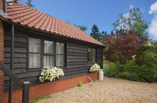 Snaptrip - Last minute cottages - Adorable Saxmundham Rental S10228 - Exterior