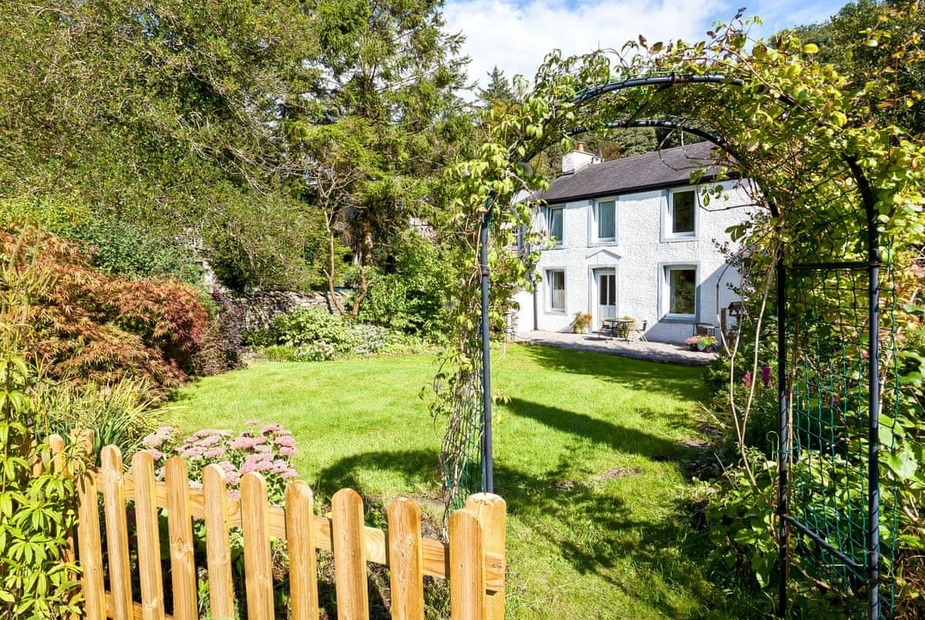 Logwood House Beautiful detached holiday home on the edge of the Lake District National Park | Logwood House, Meal Bank, near Kendal