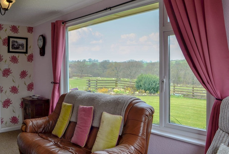 Ann's Bungalow Charming living room with wonderful countryside views | Ann's Bungalow - Wernymarchog, Cantref, near Brecon