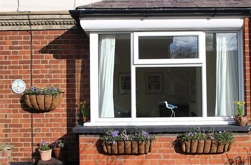 Snaptrip - Last minute cottages - Charming Southwold Rental S10234 - Exterior With Plants