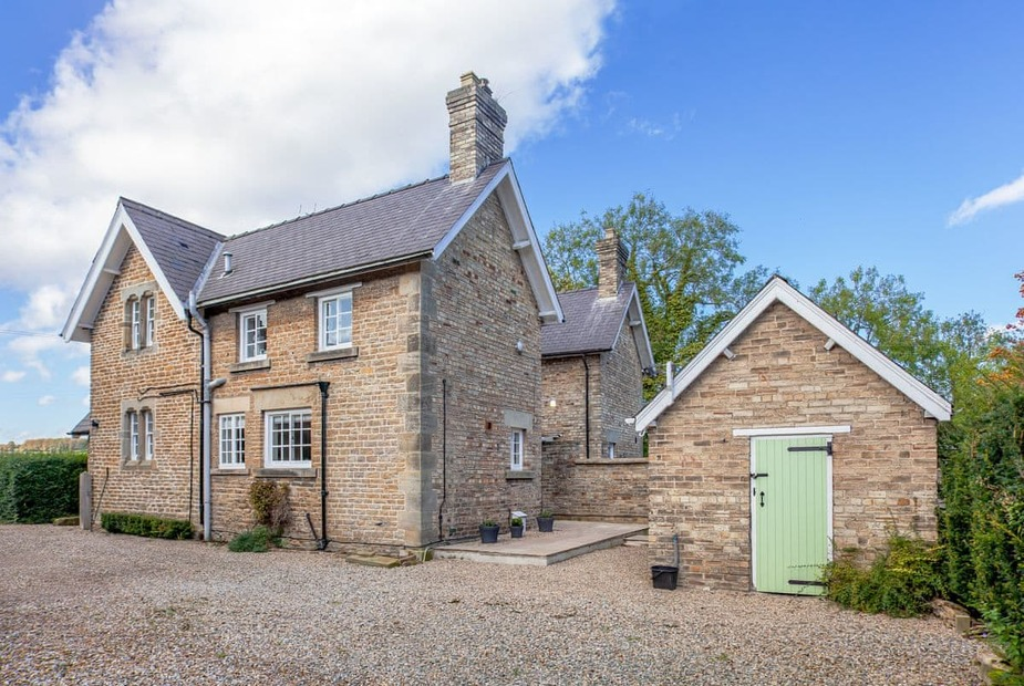 Lovely holiday cottage | Gamekeepers Cottage, Gilling East, near Helmsley - Gamekeepers Cottage