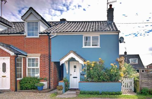 Snaptrip - Last minute cottages - Attractive Southwold Rental S10242 - Exterior
