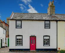 Snaptrip - Last minute cottages - Excellent Southwold Rental S10261 - Front exterior