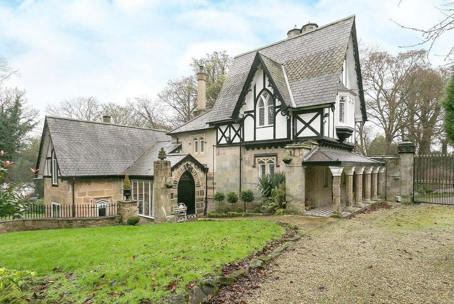 The Lodge Unique Grade II listed, detached Tudor-style house | The Lodge, Castle Donington