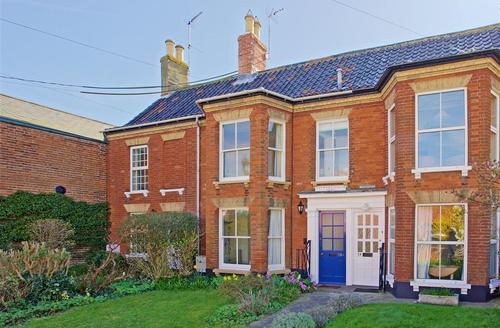 Snaptrip - Last minute cottages - Superb Southwold Rental S10267 - Exterior