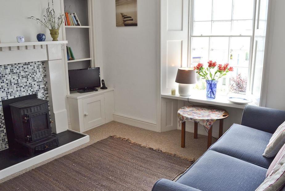 Betty's Retreat Living room with dining area | Betty's Retreat, Penzance