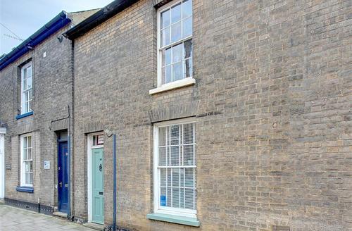 Snaptrip - Last minute cottages - Lovely Woodbridge Rental S10306 - Exterior