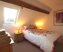 Snaptrip - Last minute cottages - Attractive Penrith Apartment S74756 -
