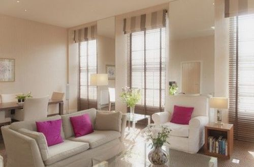 Snaptrip - Last minute cottages - Exquisite Edinburgh Apartment S74782 -