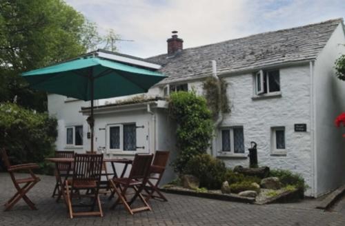 Snaptrip - Last minute cottages - Tasteful Camelford Cottage S74792 -